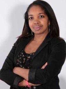 Portrait d'Anahyse France, une entrepreneuse, formatrice en langue anglaise et mentor en marketing digital.